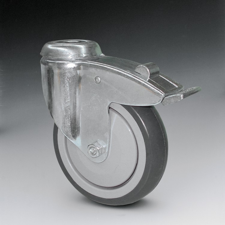W3 F – Swivel wheel 125 Ø on interior bearing with foot brake